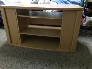 Tv stand in good condition in sw