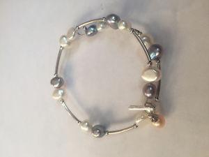 Vantel Pearls Shades of Grey Wire wrap