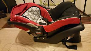 britax b safe car seat (used in good condition)