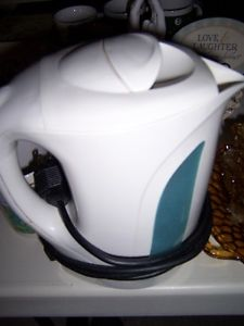 toaster, juicer, kettle, iron, sandwich maker