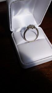 10K WHITE GOLD HALO ENGAGEMENT RING