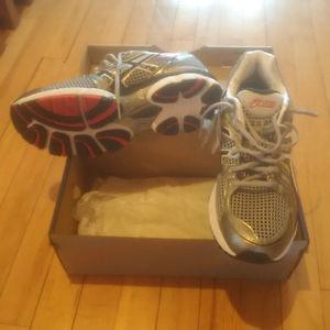Asics Gel Nimbus 13, Men's size 10.5 * Brand new in box