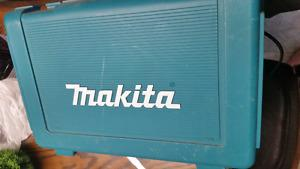 Basically New Makita 18v Nicad Drill Like New Comes with