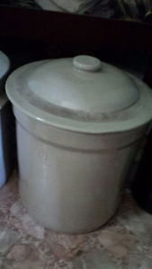 Antique Alberta Potteries Redcliff Crock Posot Class
