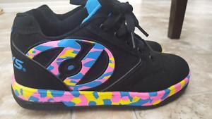 Girl's Brand New Heelys size 4