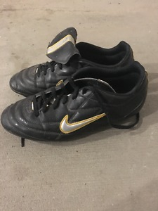 Kids Nike Soccer Cleats size 5.5