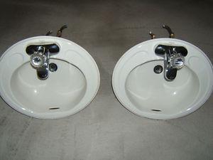 Lavabos salle de bain et évier de cuisine