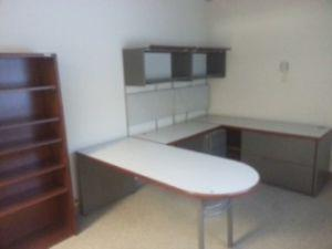 Looking for an L, U or straight executive desk /