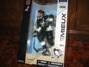 ** OR BEST OFFER ** PITTSBURG PENGUINS MARIO LEMIEUX **