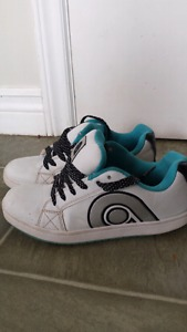 Snickers girls or boys. size 3