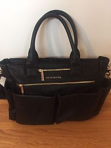 Wanted: Honest Company Everything Tote in Black