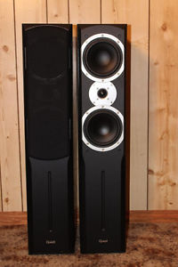 YAMAHA-RX640 HOME THEATER SYSTEM -QUEST TOWERS, CENTER &