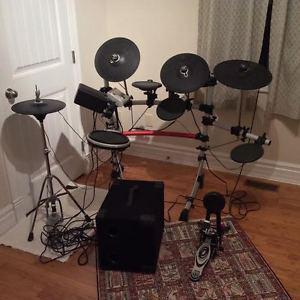 Yamaha DTXPRESS IV Drum Set with Amp