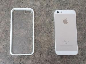 Fido/Rogers iPhone SE White/Silver 16GB in mint condition