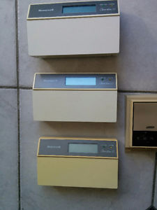 Honeywell TC programmable thermostat