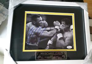 MIKE TYSON AUTOGRAPHED/SIGNED BOXING 8X10 PHOTO (VS