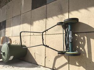 Manual push mower/ Eco friendly!