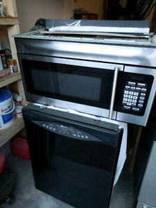 Set of 4 appliances for sale. Stainless steel