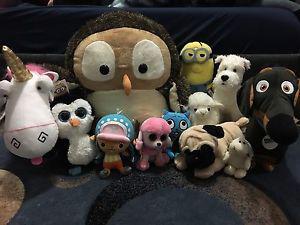Stuffed toys lot
