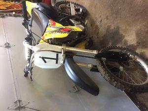 Suzuki RM 85 dirtbike