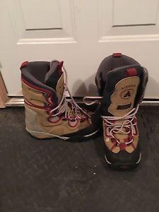 Women's Airwalk Snowboard Boots Size 9