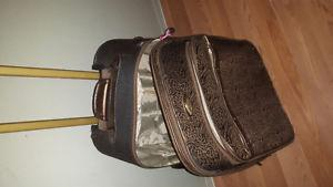 brown and black suit case