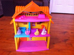Dora house with princess figures