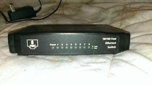 Dynex 8 port  ethernet switch/hubby