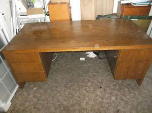 FREE Large Solid Oak Desk