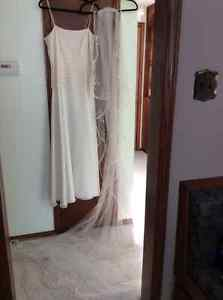 Never worn Alfred Sung off white wedding dress (size 12)and