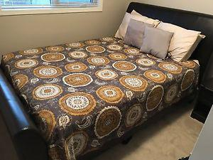 Queen Bed Mattress Box Spring Frame and Drawers