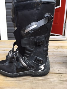 Two pairs of Aplinestars Tech3 all terrain dirt bike boots