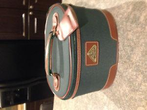 Cosmetic / Toiletry travel case