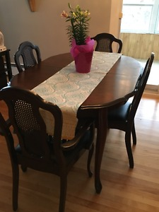 FS - Dining room table and chairs