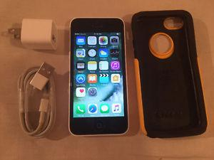 Iphone 5C 16GB Telus/Koodo in mint condition & accessories