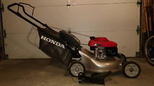 Like new Honda mower
