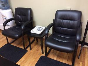 chaises de bureau ou salle d'attente