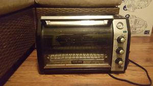 Black and Decker toaster oven for sale!