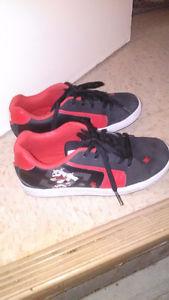DC shoe brand - runners boys size 4.5