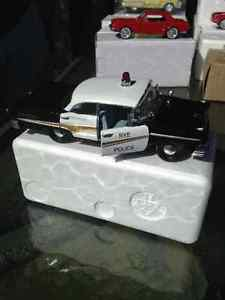 Ford Fairlane Black & White police car