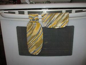 Hand Knit Kitchen Towel & Dishcloth Set
