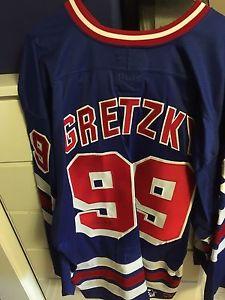 Hockey memorabilia (Jerseys)