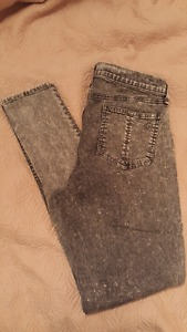 Rag & Bone Black/Grey Acid Wash Jeans in Size 29