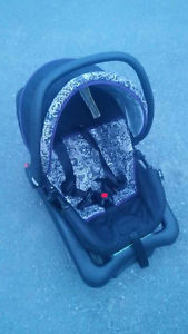 Safety First Baby Car Seat - Expires Jan 1st .
