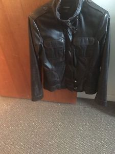 Wanted: Ladies leather jacket.