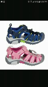 Wanted: Looking for toddler girls size 9 closed toe sandals