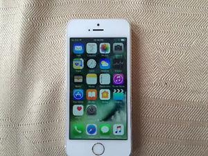IPHONE 5S 16GB WHITE/BLACK MINT!!!!!