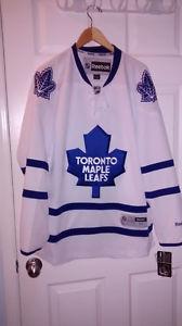 Toronto Maple Leafs Reebox Jersey, mens medium /w tags
