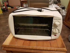 White Toaster Oven - Proctor Silex W - $10
