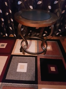 2 END Tables perfect condition